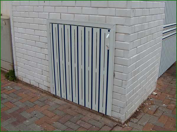 שערים - שערים / דלתות שירות - דלת